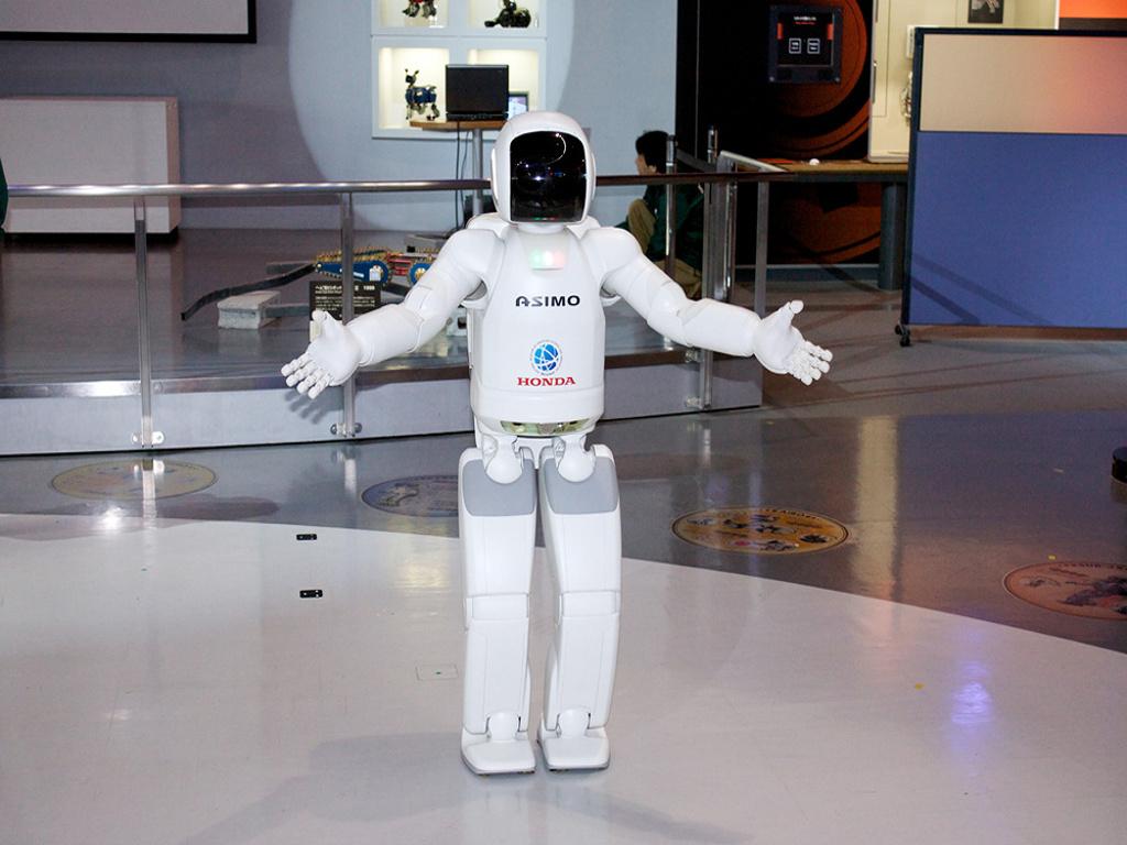 Робот в музее технологий